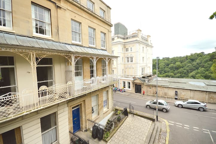 Stunning Clifton Village, balcony with bridge view