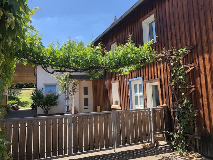 Gartenhaus im Fabel Reich der Luise Kött-Gärtner