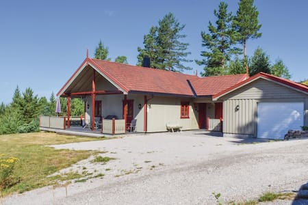 Holiday cottage with 3 bedrooms on 82m² in Setskog