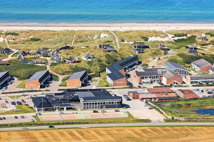 6 person holiday home on a holiday park in Ringkøbing