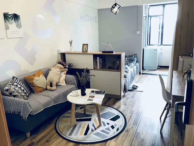 酒店式公寓,品牌家电具全新出租 一年起租