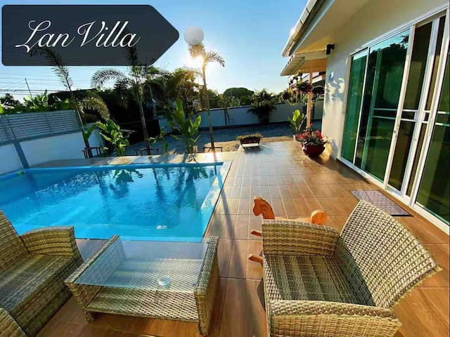 LanVilla全新独栋泳池别墅 宽敞安静环境好 免费接送机 可包车 全程中文陪同
