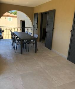 Cateri F3 tout confort,  terrasse et parking