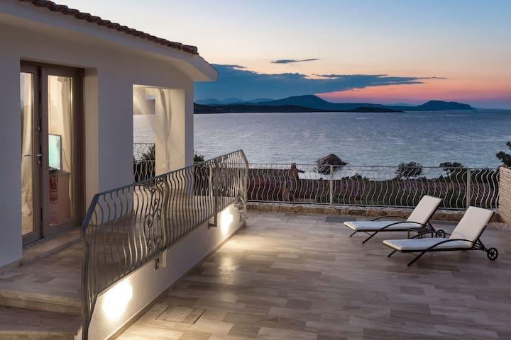 Villa Astrea Alba - Monte Petrosu - Villa