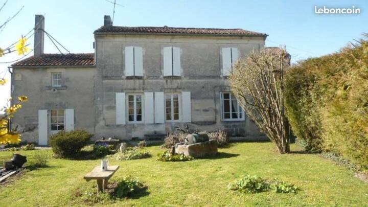 Chambre privée «La Coudrée» proche cognac