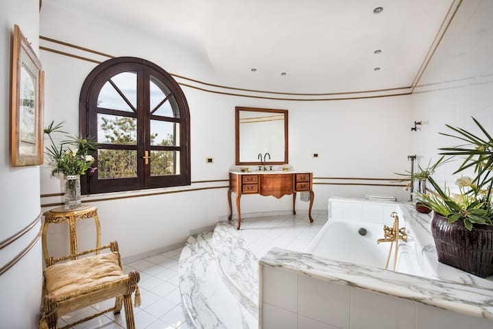 camera elegante in villa con piscina in B&B - Mazara del Vallo - Bed & Breakfast