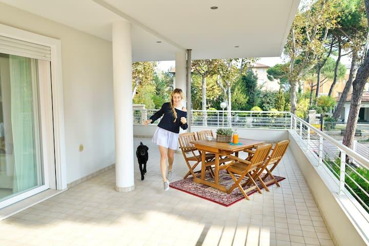 Nuovissimo appartamento con enormi balconi