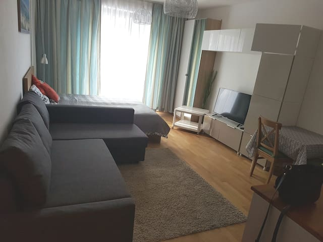 24€+Apartment + parking, 7min away from the center