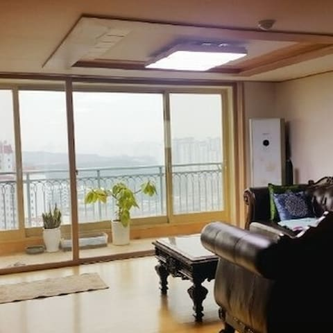 Luxury apartment with best view in seoul 전망최고