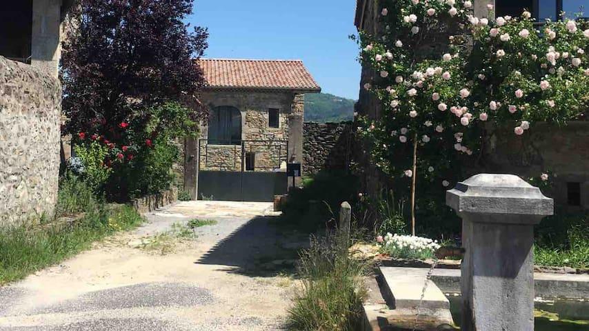Maison de Charme ✨ A 10mins d'Aubenas