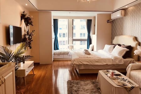 西雅图飘窗赏景大床房