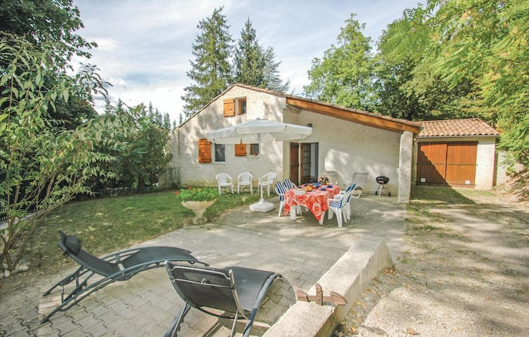 Holiday cottage with 3 bedrooms on 120 m² in Luc-en-Diois