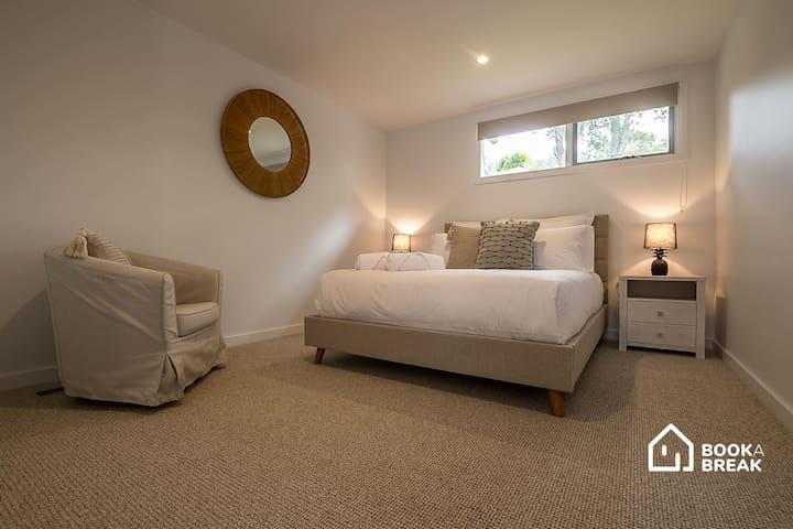 Bedroom 3, with a Queen bed