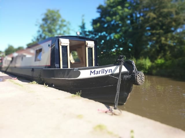 Marilyn - The Floatel - Luxury Canal Boat