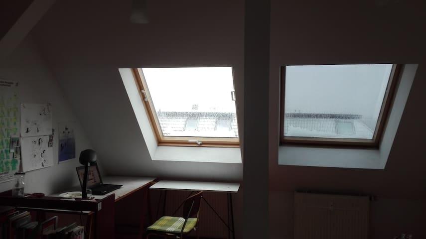 gemütliche Dachgeschoß Wohnung.