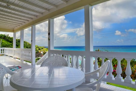 Villa with Private Beach (Rm 1) - Lucea