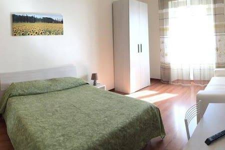 """B&B VistaMare - Camera """"Monte"""" - Civitavecchia - Bed & Breakfast"""