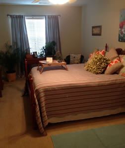 Cozy Masters Room or Business in Augusta - Grovetown