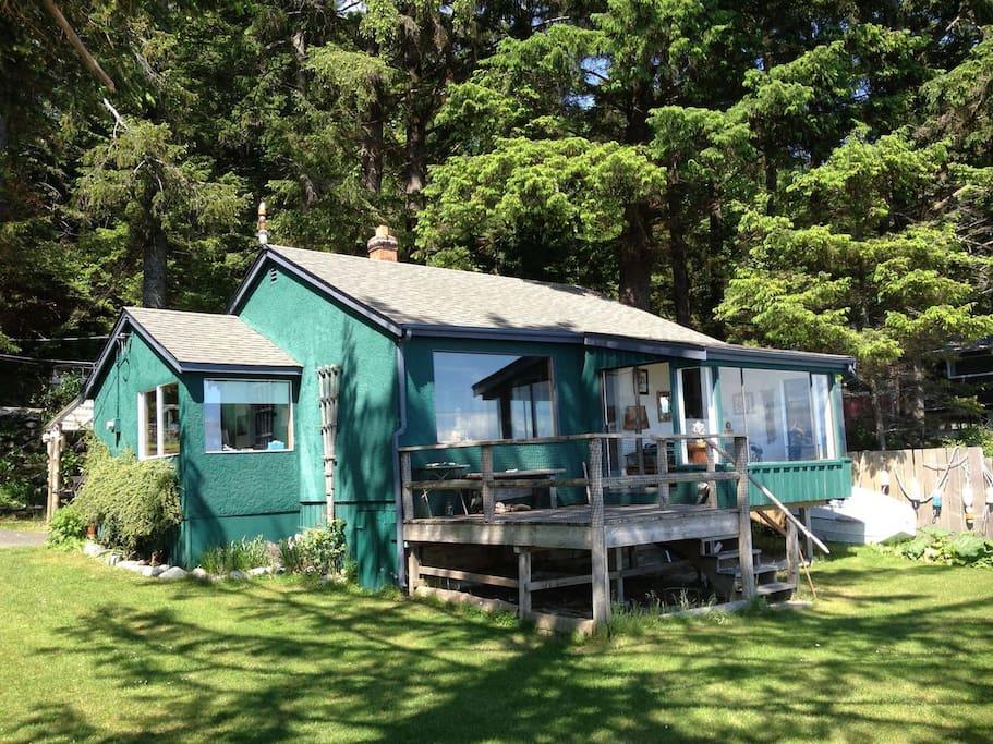 Beach Cottage Quadra Island