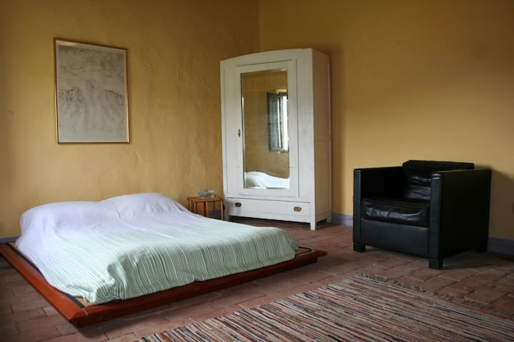 THE YELLOW ROOM - certaldo - Bed & Breakfast