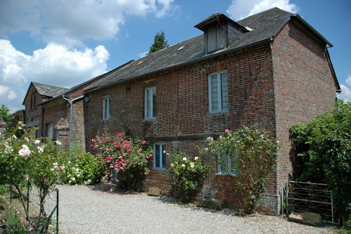 The Coach House - and private parking