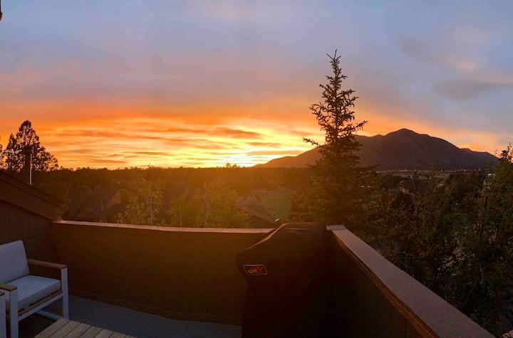 Elden View Retreat - Incredible View!