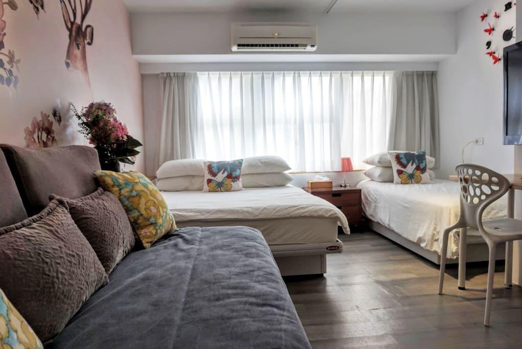 1張雙人床, 1張單人床, 1張單人沙發床