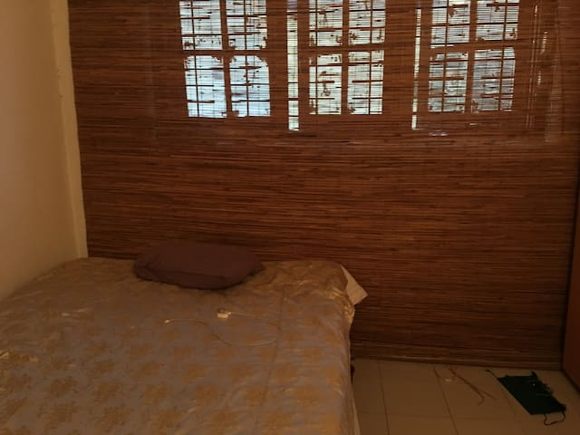 A room in Colombo for Solo Travellers