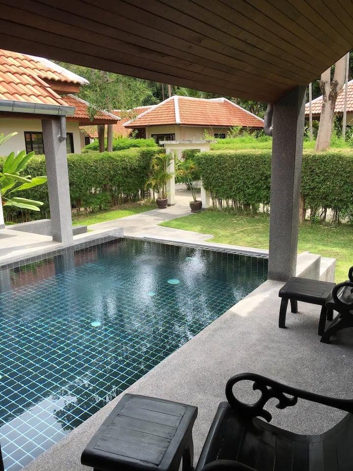 Villa avec Piscine privé à Ban Kao