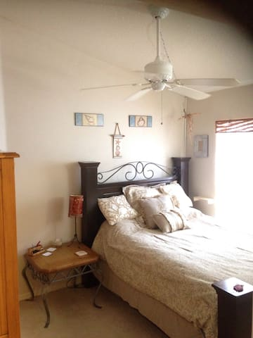Newer Cozy Clean Home Near Beaches & Sponge Docks - Tarpon Springs