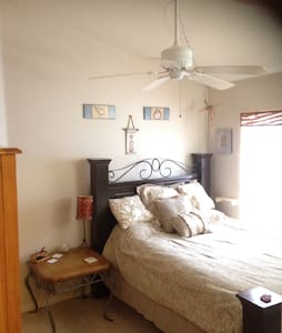 Newer Cozy Clean Home Near Beaches & Sponge Docks - Tarpon Springs - Hus