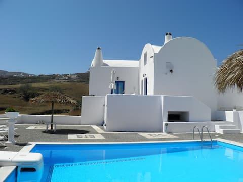 Santorini Traditional Suites LAVA