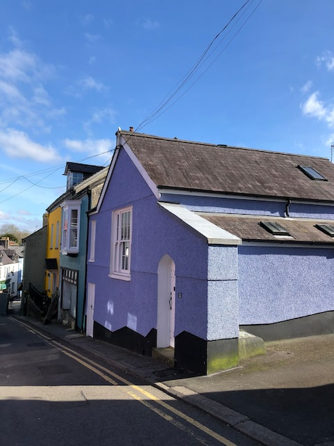 Merlin's House - historic town centre cottage