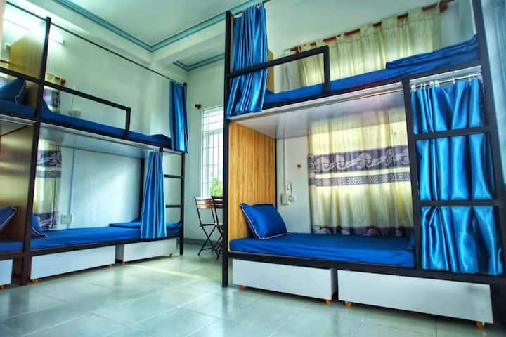 3 mins to beach comfort mixed dorm Nha Trang biển
