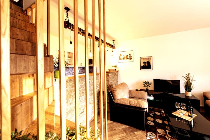 Spacious 100m² apartment,3 bdrooms and living room