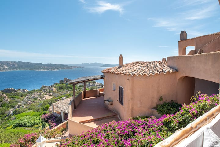 """Mediterranean Holiday Home """"Dolphin's House"""" with Balcony & Terrace; Parking Available"""