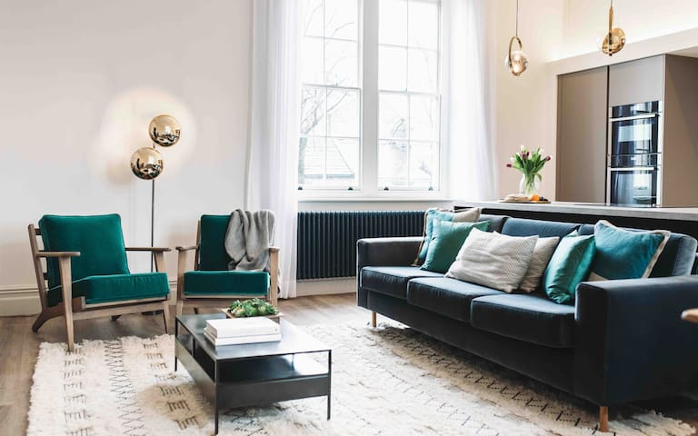 Gorgeous, spacious and stylish Georgian duplex