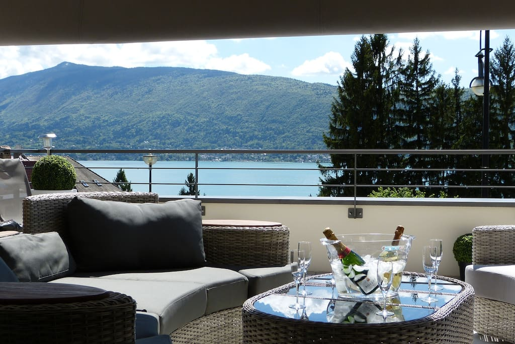 Villa 4 pers lac d 39 annecy veyrier du lac appartements for Ford annecy garage du lac