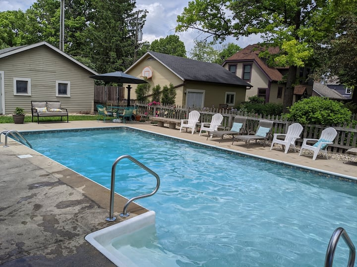 Circle City Pool Escape - Walk to Mass Ave!