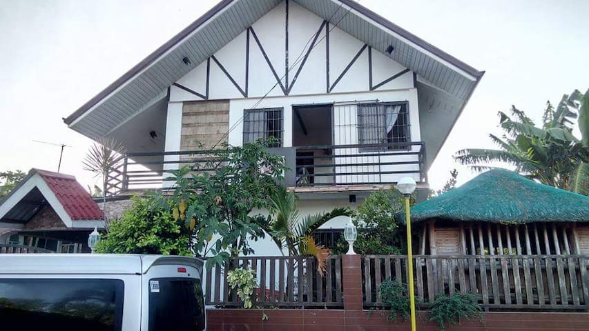 Rest house near Mt. Maculot and G2B Lomi House