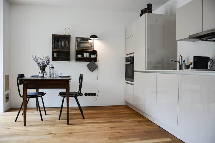 Design-Apartment, Garten, See, Golf, S-Bahn zu Fuß
