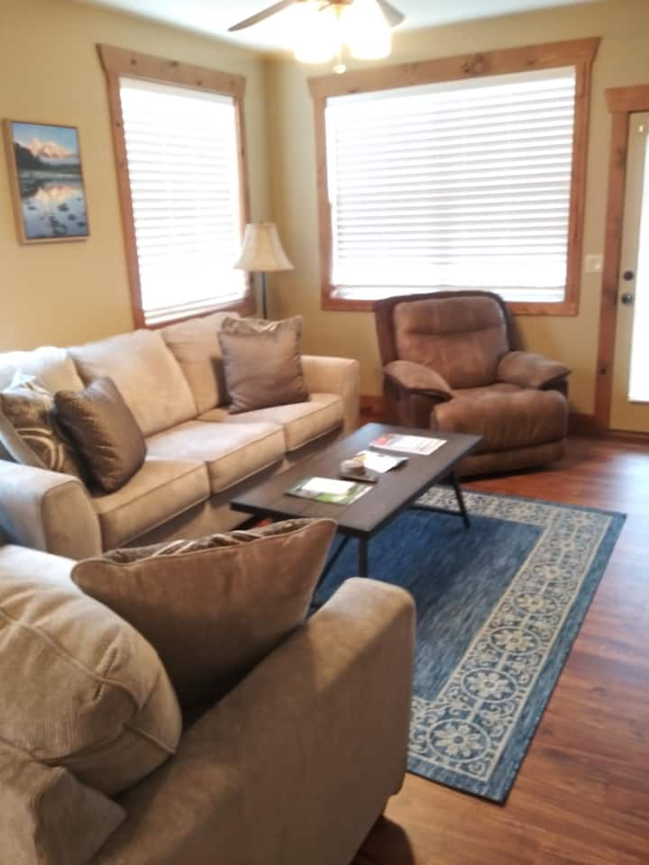 Beautiful 3 Bedroom 2 Bath Bottom Floor Condo