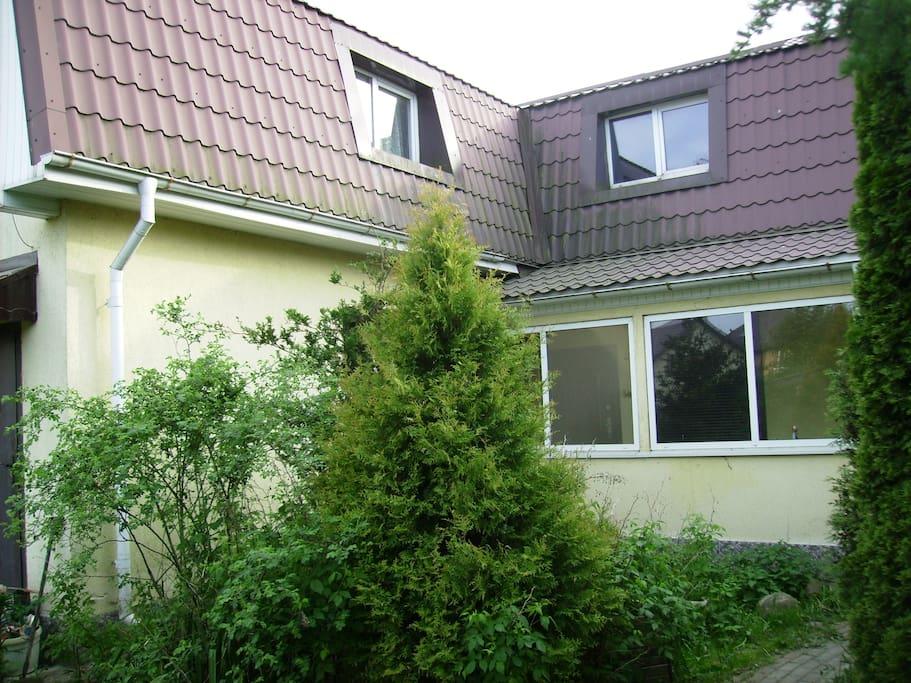 Гостевой двух этажный дом