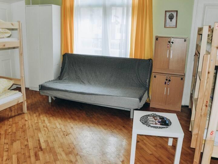 1 room. Hostel Motion
