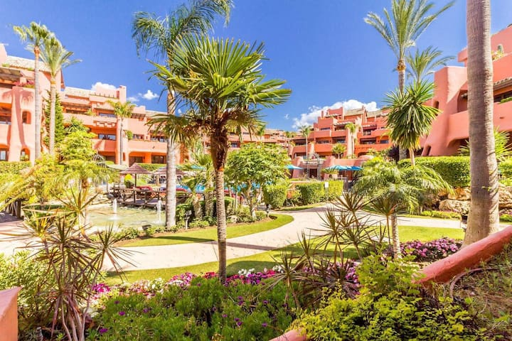 3 bedrooms frontline beach apartment near Estepona