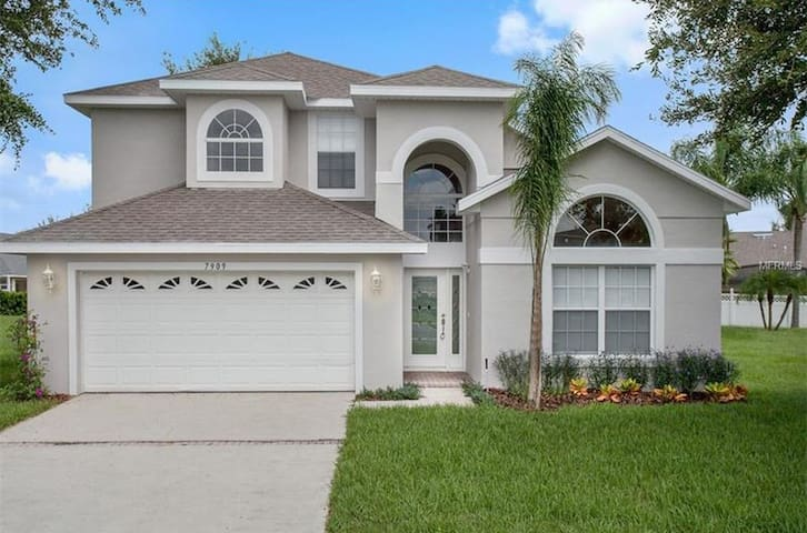 Luxurious 6-bedroom,  pool/spa 3 miles from Disney - Kissimmee - House