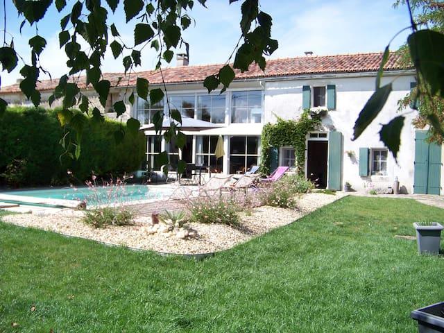 LA MARANGELLE Chambre d'hotes - Bernay-Saint-Martin - Bed & Breakfast