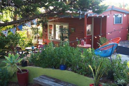 Wanderers Rest Studio, Hills Retreat