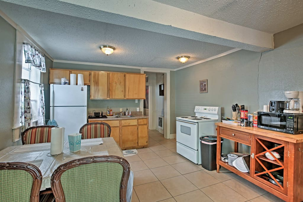 This 2-bedroom, 1-bathroom unit includes a well-equipped kitchen.