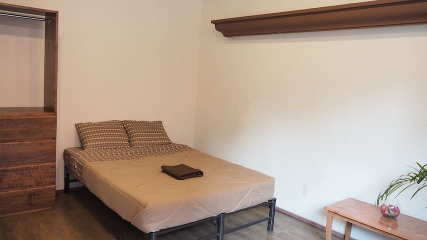 Spacious room near Reforma - Juárez - บ้าน